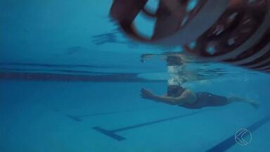 Maratona aquática reúne 120 nadadores em Juiz de Fora - Evento de natação durou 12 horas no fim de semana. Participaram atletas de 7 a 70 anos de idade