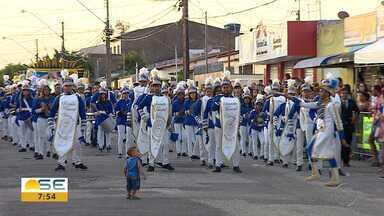 Escolas de Aracaju realizam desfile cívico - Escolas de Aracaju realizam desfile cívico.
