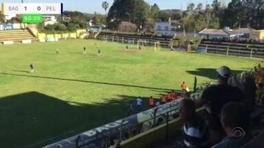 Pelotas é derrotado pelo Bagé no estádio Pedra Moura - O placar final foi de 2 a 0 para o time da casa.