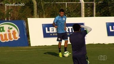 Com reforços regularizados, Goiás enfrenta o Cruzeiro no Serra Dourada - Verdão busca terceira vitória seguida e tem Papagaio e Dudu à disposição