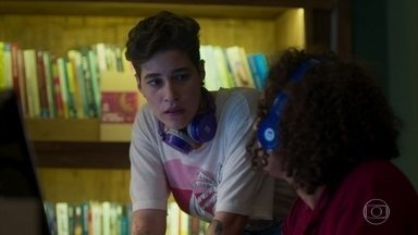Thaíssa descobre nova pista no áudio do vídeo - Thaíssa fica com curiosidade sobre Felipe e Evelyn