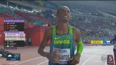 Alison dos Santos faz o melhor tempo da carreira na final dos 400 metros com barreira - Atleta de São Joaquim da Barra, SP, disputou prova em Doha, no Catar.