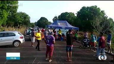 Moradores voltam a fechar trecho de rodovia no norte do Tocantins - Moradores voltam a fechar trecho de rodovia no norte do Tocantins