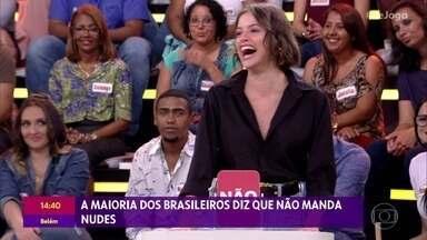 Agatha Moreira entrega se manda nudes ou não - Atriz participa do 'Se Joga' e confessa que é paranoica e tem medo que suas fotos vazem na rede
