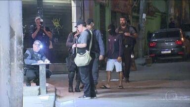 Polícia do Rio faz reconstituição da morte de Ágatha Félix, no Complexo do Alemão - Reconstituição é considerada fundamental para descobrir de onde partiu o tiro que matou a menina, de 8 anos. Os 11 policias militares investigados no caso se recusaram a participar.