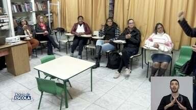 'Diário de Escola': alunos surdos aprendem libras e português em escola de SP - undefined