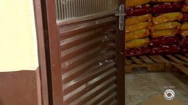 Criminosos invadem canil e roubam cerca de 10 toneladas ração - Crime aconteceu no Canil Municipal de São Leopoldo.