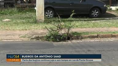 População volta a reclamar das condições de bueiros na Av. Antônio Saad, em Ponta Grossa - Eles reclamam da sujeira e da falta de tampas.