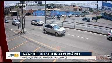 Mudança no trânsito deixa motoristas confusos no Setor Rodoviário, em Goiânia - Câmeras registraram acidentes na região.