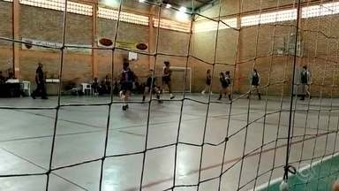 Caxias do Sul vence mais dois jogos pelo estadual de basquete feminino - Equipe da Serra acumula três vitórias em quatro jogos.
