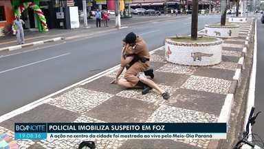 Jornal mostrou ao vivo policial imobilizando homem que assaltou uma mulher - O PM usou técnicas de defesa pessoal e durou cerca de dois minutos.