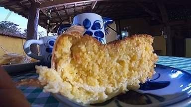 Receita Nosso Campo: aprenda a fazer um bolo de milho com requeijão - O Nosso Campo mostra como fazer um bolo de milho direto da roça. É uma receita que leva também requeijão e queijo meia cura. O uso da palha do milho dá um toque especial. O bolo fica bonito e muito saboroso.