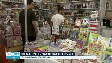 Bienal Internacional do Livro movimenta Centro de Convenções, em Olinda - Ingressos custam R$ 5 (meia), R$ 7 (social) e R$ 10.