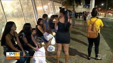 População reclama insegurança nas paradas de ônibus em São Luís - A noite o perigo aumenta e os assaltos são constantes.