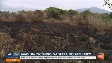 Terceiro foco de incêndio é registrado na Serra do Tabuleiro em Palhoça - Terceiro foco de incêndio é registrado na Serra do Tabuleiro em Palhoça