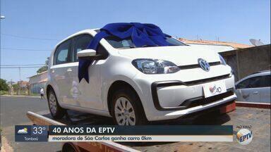 Moradora de São Carlos é a ganhadora do carro da promoção dos 40 anos da EPTV - Luciana Cristina Possato de Souza recebeu o veículo neste sábado (5).