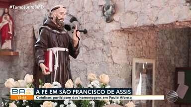 Festa tradicional em Paulo Afonso homenageia São Francisco de Assis - O santo é o padroeiro da cidade e festa atrai católicos de várias regiões.