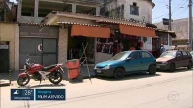 Após tiroteios no Chapadão, comércio na região volta a abrir as portas - Moradores de Costa Barros voltaram às suas vidas normais, apesar da apreensão.