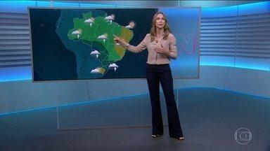 Domingo (6) tem previsão de chuva para boa parte do país - Deve chover mais forte em Florianópolis, Curitiba, São Paulo, Cuiabá e Porto Velho.