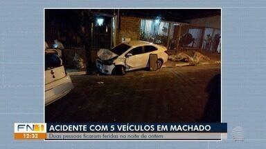 Acidente de trânsito envolve cinco veículos em Álvares Machado - Duas pessoas tiveram ferimentos leves.