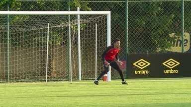 Veja algumas defesas de Felipe no treino do Sport - Veja algumas defesas de Felipe no treino do Sport