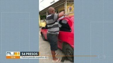 Polícia Civil prende homem considerado como um dos maiores ladrões de carga da Baixada - Ele foi um dos 54 presos em 13 municípios em uma operação da Polícia Civil de suspeitos de roubo na Baixada Fluminense.