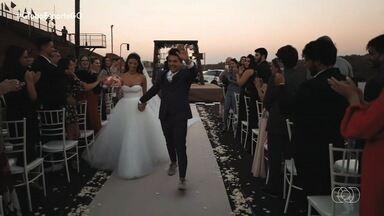 Apaixonado por velocidade, casal realiza casamento em pista de corrida - Autôdromo foi palco de matrimônio de dois apaixonados por velocidade