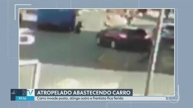 Homem é atropelado abastecendo carro. - Carro invadiu posto de combustíveis, na BR 356, em Belo Horizonte, e atingiu um frentista. Carro também bateu em outro que estava sendo abastecido. Duas pessoas foram levadas para o Hospital João XXIII.