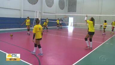 Vôlei feminino treina forte para representar o estado nos Jogos Universitários Brasileiros - Veja na reportagem.