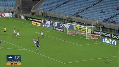 Com gol no fim da partida, Bahia vence o Grêmio na Arena - O único gol da partida aconteceu aos 45 minutos.