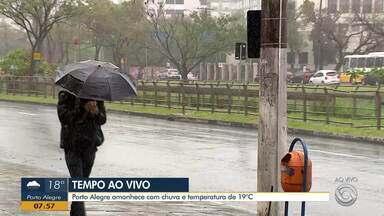Porto Alegre amanhece com muita chuva nesta quinta (17) - Assista ao vídeo.