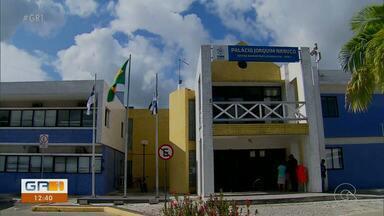 Prefeito Lula Cabral exonera 600 ocupantes de cargos comissionados - Ele reassumiu a prefeitura de Cabo de Santo Agostinho depois de um ano afastado
