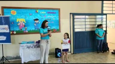 Alunas de Cidade Gaúcha recebem premiação do Projeto Televisando - As premiadas são do primeiro e do quarto anos da Escola Municipal Paulo Freire.