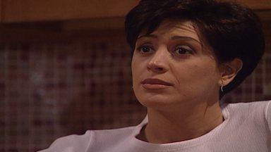 Capítulo de 27/05/1998 - Alexandre explica a Clementino que conheceu Sandra e que quer ajudá-lo. Vilma se separa de Henrique. Leila e Rafaela chegam em casa e encontram Guilherme.