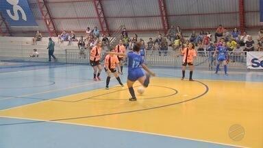 Jogadora marca oito gols em partida e vira sensação da Copa da Juventude - Jogadora marca oito gols em partida e vira sensação da Copa da Juventude
