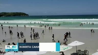 Reunião discute ações necessárias para receber turistas na alta temporada em Cabo Frio - Objetivo é evitar o caos nas praias da cidade durante o verão.