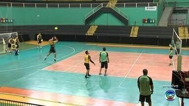 Itapetininga enfrenta o Campinas no Campeonato Paulista de Vôlei - Itapetininga (SP) enfrenta o Campinas na primeira partida da semifinal do Campeonato Paulista de Vôlei.