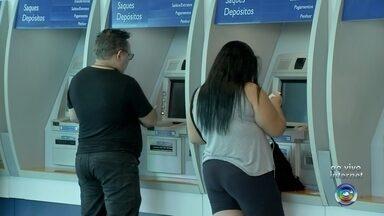 Saques de até R$ 500 do FGTS para não correntistas da Caixa começam nesta sexta - No total, 4,1 milhões de pessoas nascidas em janeiro devem retirar o total de R$ 1,8 bilhão do Fundo de Garantia; prazo dos saques vai até 31 de março de 2020.