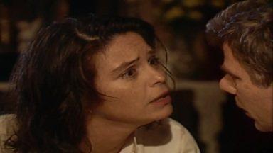 Capítulo de 17/08/1989 - O padre quer que Perpétua perdoe Timóteo. Helena deseja voltar para o Rio com Ascânio. Elisa pede a Osnar para ajudar Timóteo. O coronel Artur compra mais uma menina para sua coleção.