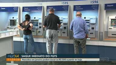 Nascidos em janeiro podem sacar R$ 500 do FGTS a partir de hoje - Agências da Caixa abriram mais cedo nesta sexta (18).