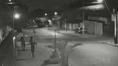 RJ1 - Íntegra 18/10/2019 - O telejornal, apresentado por Mariana Gross, exibe as principais notícias do Rio, com prestação de serviço e previsão do tempo.