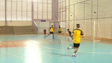 Em busca de voltar ao G-6, Mogi Futsal recebe o São Carlos pela Liga Paulista - Time mogiano pode assumir o sexto lugar, caso vença o jogo desta sexta, às 19h45, no Botujuru.