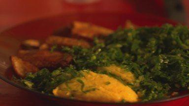 Torresmo com couve e angu é prato típico de Santa Cruz de Minas - A receita foi passada de geração em geração, e é mais antiga que a própria cidade.
