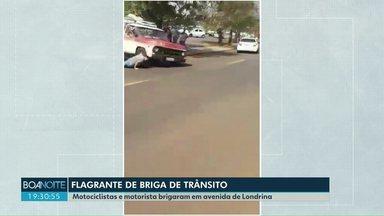 Vídeo mostra briga de trânsito em Londrina - Um dos envolvidos na confusão chegou a usar uma foice para intimidar um motociclista.