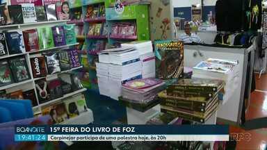 15ª Feira do Livro de Foz do Iguaçu - Carpinejar participa de uma palestra hoje (19), às 20h.