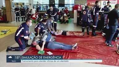 Simulado de emergência mobiliza 400 pessoas em universidade de Santos - Evento foi um treino de atendimento médico para um possível caso com muitas vítimas.