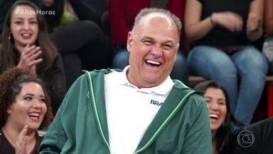 Oscar Schmidt relembra jogo histórico para o basquete brasileiro - Ex atleta narra momento emocionante de sua carreira