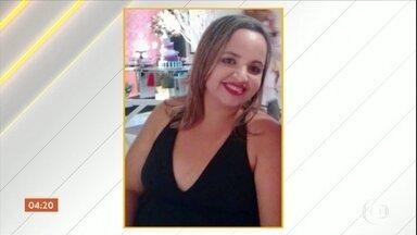 Enterrado corpo de motorista de aplicativo morto no RJ - Infelizmente, é mais um, dentre tantos casos de motoristas mortos durante o trabalho. Ela foi atingida por uma bala perdida, quando passava por uma estrada.