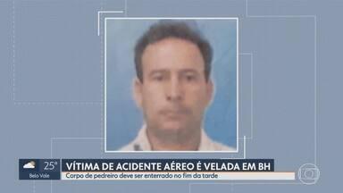 Vítima de acidente aéreo é velada em Belo Horizonte - Corpo de pedreiro deve ser enterrado no fim da tarde desta terça-feira (22).