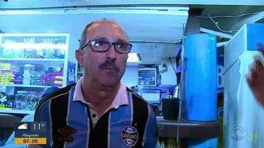Torcedores gremistas estão confiantes para a semifinal da Libertadores - Assista ao vídeo.